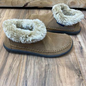 Magellan Faux Fur lined Outdoor Slippers. size 6